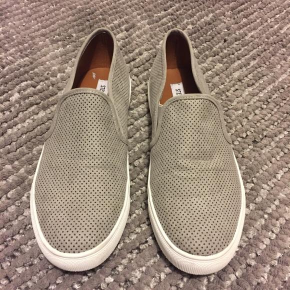cd5f1295e23 Steve Madden Grey Giovanna Slip On Sneaker. M 5bc98b3245c8b3f44e86bead